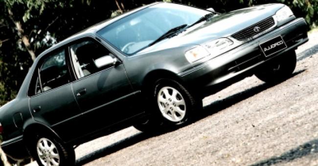 Seguro Corolla SE-G 1.8 AT 2001