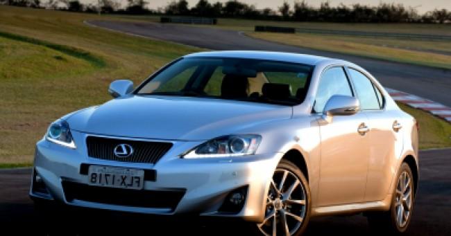 Cotação de seguro Lexus Is300