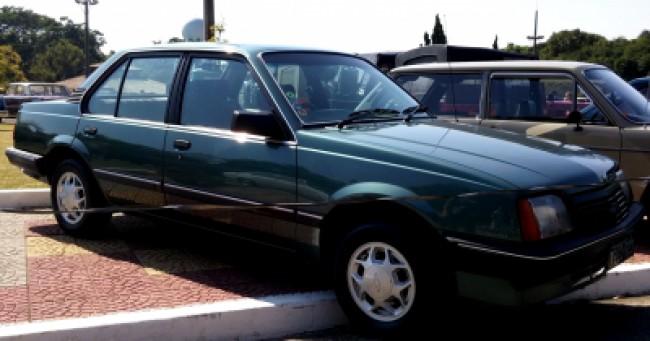 Seguro Monza SL/E 2.0 1988